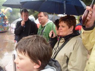 parade in de regen